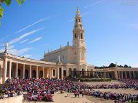 Leer más: Santuario-de-Fátima-Portugal