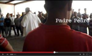 Captura del video sobre Casa del Migrante Saltillo, con el P. Pedro Pantoja