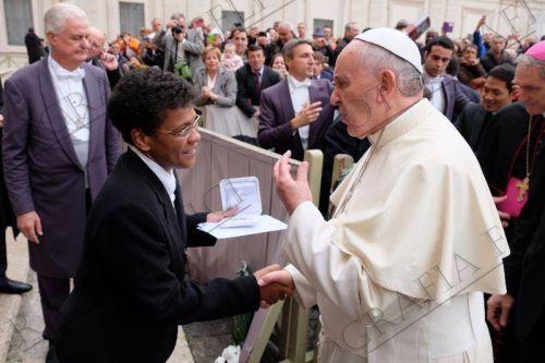 Papa Francisco y Hna. Neusa
