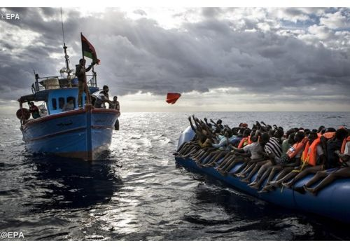 migrantes en el mar
