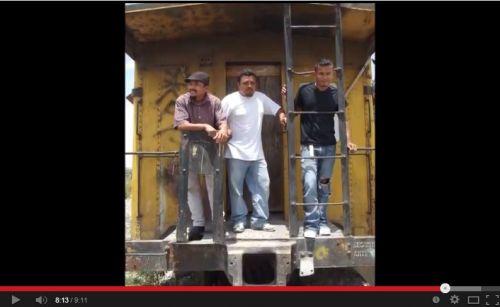 Captura del video sobre Casa del Migrante Saltillo. Migrantes en La Bestia.