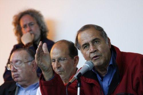 P. Pedro Pantoja, derecha, ante la OEA. Foto 2014